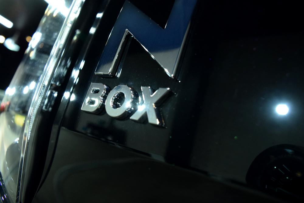 N-BOXカスタム-11
